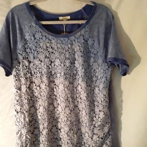 Kori tee with lace layered front